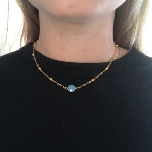Jewelry - Short gold necklace with Blue Gem